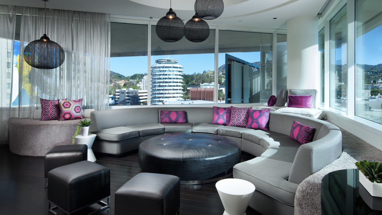 Hollywood Accommodation - Extreme Wow Suite | W Hollywood Hotel