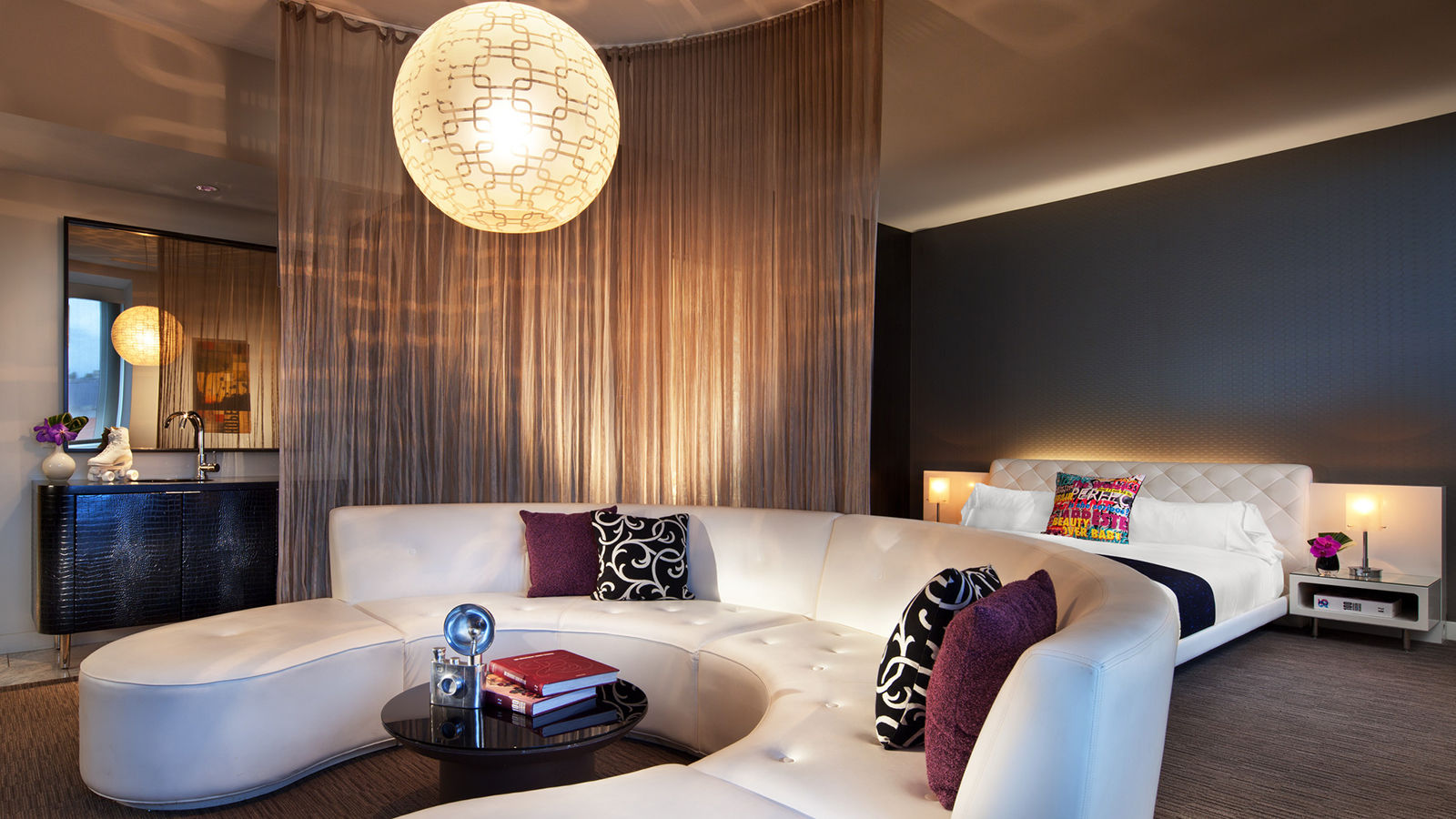 Hollywood Accommodation - Marvelous Suite | W Hollywood Hotel