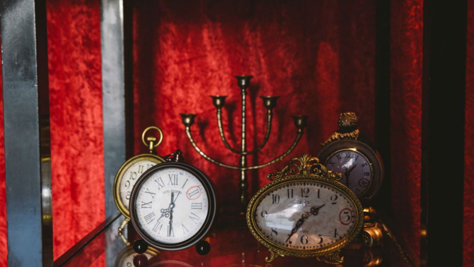 Hollywood Escape Room - Clocks